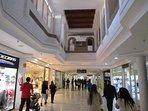 Centro comercial interior