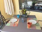 colazione nell'ampio giardino
