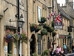 the attractive Cotswold town of Stow-on-the-Wold