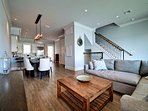 Spacious open area is great for entertaining.