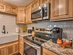 Effortlessly prepare meals with stainless steel appliances!