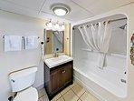 Master Bedroom - En-Suite Bath