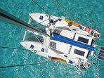 Le catamaran Pommeliane vu du haut du mat.
