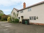 1 POUND FARM, near Great Yeldham, pet-friendly, Smart TV, Ref 966525