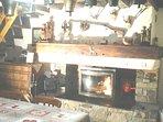 Cheminée avec insert panoramique, grand foyer bois fourni