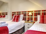 Pretty & comfortable twin bedroom, newly refurbished in the Old Stables.