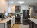 State of the art kitchen, open plan kitchen with stainless steel appliances, and fully loaded!