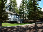 Come and stay in our gorgeous mountain cabin, tucked away on top of Tunnel Mountain!
