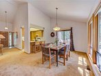 Sunriver-Vacation-Rental---12-Diamond-Peak---Dining-to-Kitchen