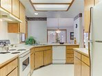 Sunriver-Vacation-Rental---12-Diamond-Peak---Kitchen-1