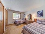 Sunriver-Vacation-Rental---12-Diamond-Peak---Twin-Bedroom