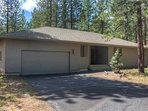 Sunriver-Vacation-Rental---12-Diamond-Peak---Exterior-Front