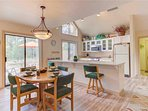 Sunriver-Vacation-Rental---8-Yankee-Mountain---Dining-to-Kitchen