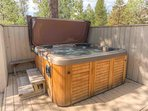 Sunriver-Vacation-Rental---8-Yankee-Mountain---Hot-Tub