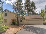 Sunriver-Vacation-Rental---8-Yankee-Mountain---Exterior-Front