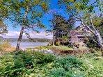 NEW LISTING! Beautiful lakefront house w/ hot tub, dock & dog-friendly attitude