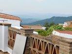 vietwin bedroomw top terrace