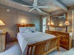 Cabin Like- BR # 4 Queen Bed