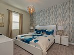 Master Suite 2 - King size Bed