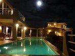 Villa Gardenia under the spell of the mega moon
