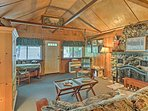 Experience the best of Castella from this 1904 vacation rental cabin!