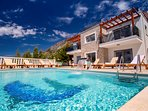 VILLA MIRNA with private heated pool, roof terrace, gym & hot tub