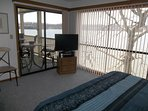 Flat screen TV in master bedroom, Wonderful view of the lake!!