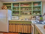 Cook at home with ease thanks to the fully equipped kitchen.