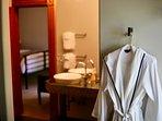 Villa Metal suite Spa bathroom