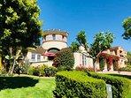 3.5K SQFT Luxury Castle in 12K SQFT Beautiful Garden & Yard/30 min to Disneyland