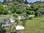 large garden with many places to enjoy your different meal
