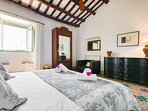 Poblet suite with 3 single beds - one of which is in a separate room