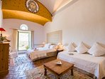 Siurana bedroom - 3 single beds made up as super king size double or 3 singles