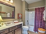 This full bathroom is large enough for everyone to share.