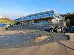 beach-hut-jamie-olivers-fifteen-at-watergate-bay
