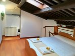 Bedroom B 1 double bed or 2 single beds