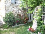 Bergerie ,ancienne voûtes en pierres Atypique; rdc coin jardin