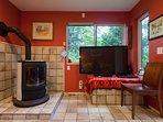 propane stove, flat TV screen w/Chromecast