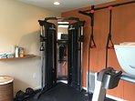 on-site gym (weight machine, chin-up bar)