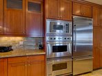 You can cook large, complex meals for the entire family with the double oven and enormous fridge.