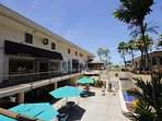 Nearby Whaler's Village is an oceanfront shopping center with multiple restaurants and shops.