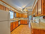 Prepare your famous recipe in the fully equipped kitchen.