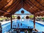 Side pool bar