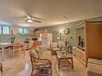 Fall in love with Papaikou in this cozy 1-bed, 1-bath vacation rental apartment.