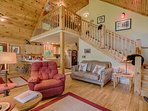 2/2 w loft sleeps total of 6. Open floor plan with Mountain Views. Perfect vacation retreat!