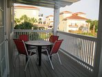 Oversize balcony - table, chairs