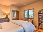 Six guests can claim the 3 queen beds.
