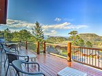 Lake and mountain views and the beautiful interior are sure to please 8 guests.
