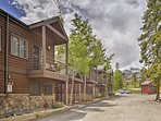 Plenty of community amenities add a touch of luxury.