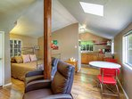 Cozy Cottage by the River ***Pet Friendly***
